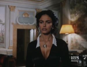 [IMG]http://img273.imagevenue.com/loc341/th_882779359_maria.grazia.cucinotta_LaSignoraDellaCitta_11mar2011_0_122_341lo.jpg[/IMG]