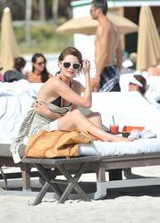 http://img273.imagevenue.com/loc351/th_311321903_II0PBL4ERH_Mischa_Barton_Wearing_a_Bikini_in_Miami003_122_351lo.jpg