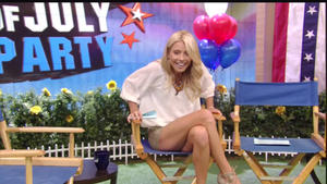 Kelly Ripa Hot Leg Cross!! 7-4-12 Live! with Kelly