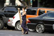 http://img273.imagevenue.com/loc428/th_64237_Evangeline_Lilly_Out_and_about_in_Hawaii12_122_428lo.jpg