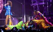 th_13778_RihannaperformsinAntwerp22.10.2011_39_122_447lo.jpg