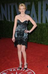 [IMG]http://img273.imagevenue.com/loc447/th_52605_ElizabethBanks_AAVF_003_123_447lo.jpg[/IMG]
