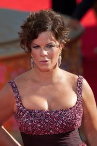 MARCIA GAY HARDEN - 2009 Emmy Awards - Red Carpet - [HQ]