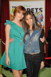 http://img273.imagevenue.com/loc451/th_159618887_Bella_Thorne_The_Muppets_Premiere_Hollywood_122_451lo.jpg