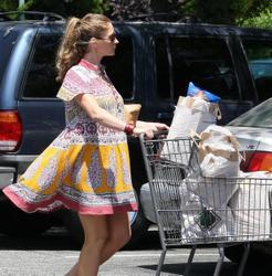 Ребекка Гэйхарт, фото 610. Rebecca Gayheart - Shopping LA - 30/07/11, foto 610
