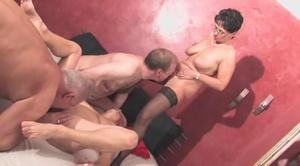 partner-dlya-gruppovogo-seksa