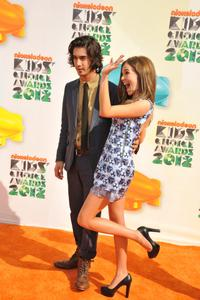 http://img273.imagevenue.com/loc59/th_358603934_CFF_Zoey_Deutch_Nickelodeons_25th_Annual_Kids_Choice_Awards_In_LA_March_31_2012_023_122_59lo.jpg