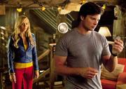 http://img273.imagevenue.com/loc595/th_85280_Smallville_10x03_Supergirl5_122_595lo.jpg